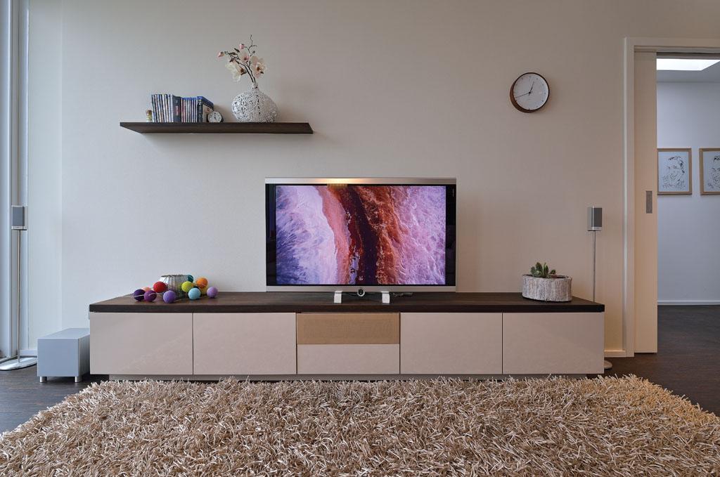 Modernes TV-Sideboard